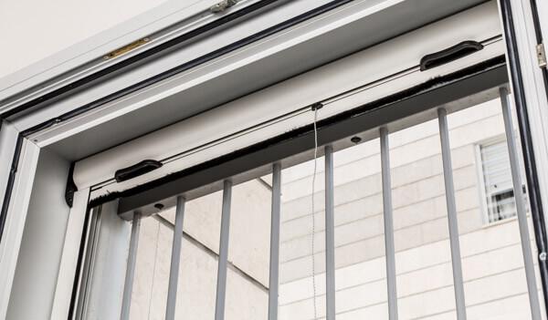 רק החוצה רשת גלילה לחלון   רשת נגד יתושים   רשת שקופה נגד יתושים NS-47